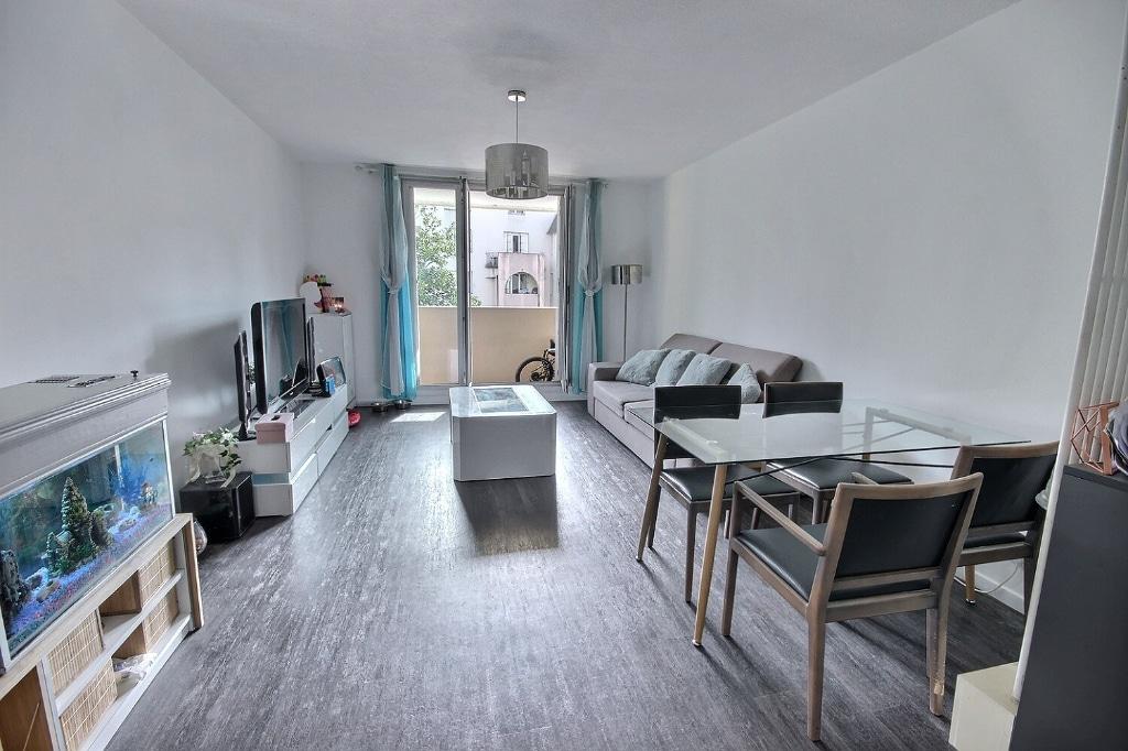 Pau - Appartement 4 pièces 93 m² à vendre 160 000€. Orpi Pierre Conchez Immobilier